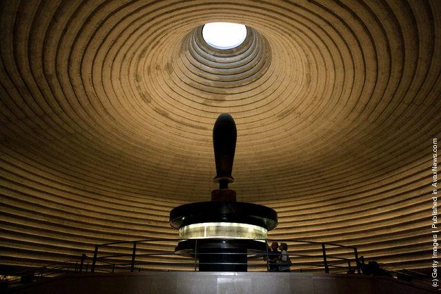 Israel Museum Displays Dead Sea Scrolls