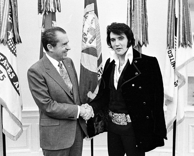Rock and roll musician Elvis Presley visits President Richard Nixon on December 21, 1970 at the White House in Washington, D.C. (Photo by Michael Ochs Archives/Getty Images)