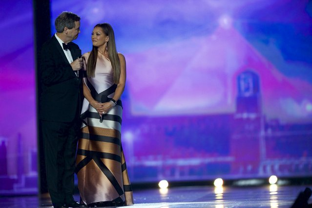 Miss America 1984 Vanessa Williams receives a public apology from Sam Haskell, CEO of the Miss America Organization, that famously ordered her to give up her crown amid a nude photo scandal in 1984, during the Miss America Pageant at Boardwalk Hall, in Atlantic City, New Jersey, September 13, 2015. (Photo by Mark Makela/Reuters)