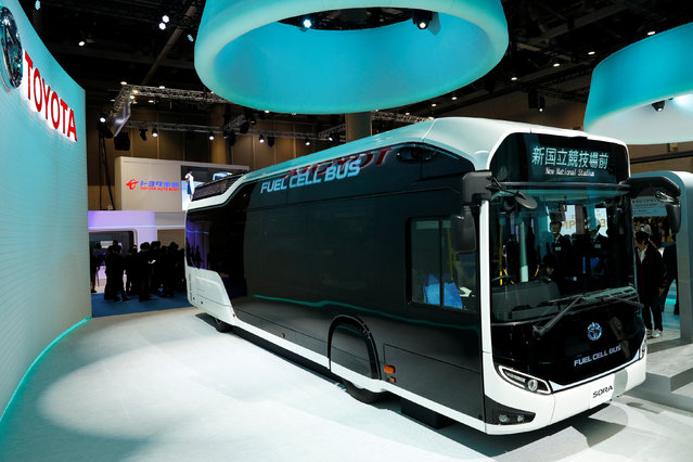 Toyota Motor Corp. displays the company's fuel cell bus Sora during media preview of the 45th Tokyo Motor Show in Tokyo, Japan on October 25, 2017. (Photo by Kim Kyung-Hoon/Reuters)