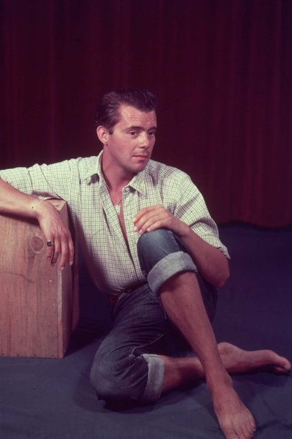 English actor and writer Dirk Bogarde (1921 – 1999), circa 1955. (Photo by Baron/Getty Images)