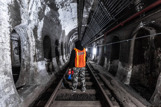 Unnamed subway track in Boston. (Photo by Dark Cyanide/Caters News)