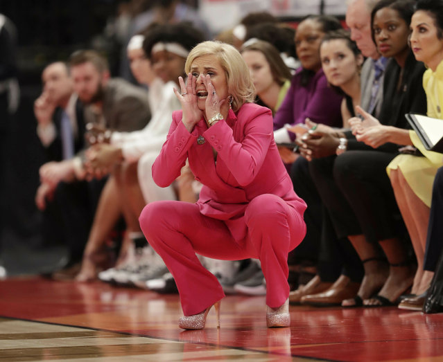 Baylor head coach Kim Mulkey yells at her team during the second half of a women's Final Four NCAA college basketball semifinal tournament game against Oregon, Friday, April 5, 2019, in Tampa, Fla. (Photo by John Raoux/AP Photo)