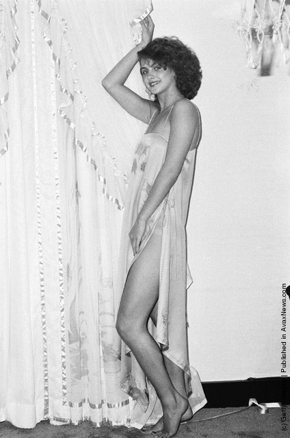 17-year-old Debbie Brett model