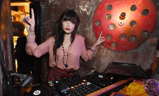 English fashion modelDaisy Lowe performs a DJ set for Badoos #DateOfTheDead party at La Bodega Negra on October 26, 2017 in London, England. (Photo by Tabatha Fireman/Tabatha Fireman/Getty Images for Badoo)