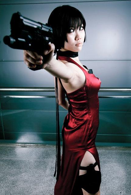 Ada Wong cosplay. (Photo by らいん紫Onyx Nitefall* The Goddess of Night*)
