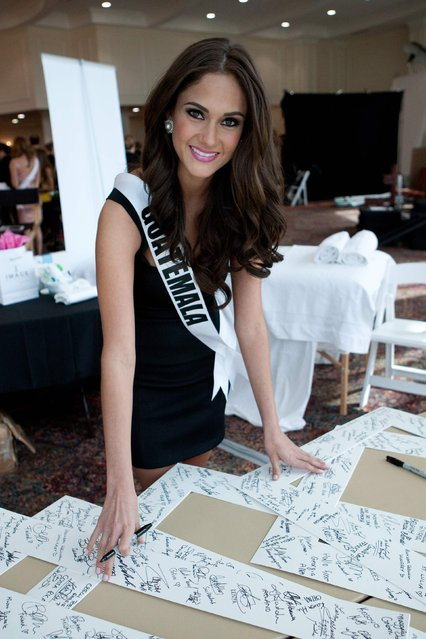 Miss Guatemala 2014 Ana Montufar Urrutia poses for photographs at the 63rd Annual Miss Universe Pageant in Miami, Florida, in this January 8, 2015, handout photo. (Photo by Reuters/Miss Universe Organization)