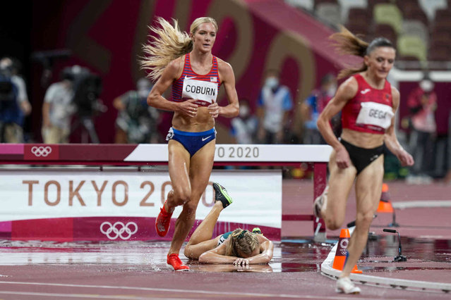 Genevieve Gregson, of Australia, falls in the women's 3,000-meter steeplechase final at the 2020 Summer Olympics, Wednesday, August 4, 2021, in Tokyo. (Photo by Martin Meissner/AP Photo)