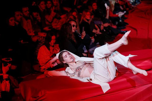 A model presents a creation by Ukrainian designer Ivan Frolov during Ukrainian Fashion Week in Kiev, Ukraine February 1, 2019. (Photo by Valentyn Ogirenko/Reuters)