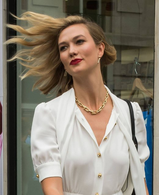 Karlie Kloss at Vogue House to sign copies of the August issue of British Vogue in London, UK on July 17, 2019. Kloss features on the cover. (Photo by Nils Jorgensen/Rex Features/SIPA Press)