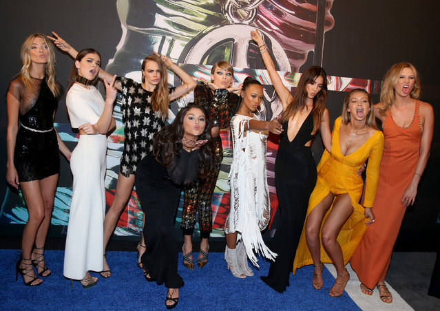 Martha Hunt, from left, Hailee Steinfeld, Cara Delevingne, Selena Gomez, Taylor Swift, Serayah, Lily Aldridge, Gigi Hadid, and Karlie Kloss arrive at the MTV Video Music Awards at the Microsoft Theater on Sunday, August 30, 2015, in Los Angeles. (Photo by Matt Sayles/Invision/AP Photo)