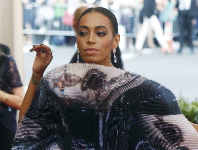 "Singer Solange Knowles arrives at the Metropolitan Museum of Art Costume Institute Gala 2015 celebrating the opening of ""China: Through the Looking Glass"" in Manhattan, New York May 4, 2015. (Photo by Lucas Jackson/Reuters)"