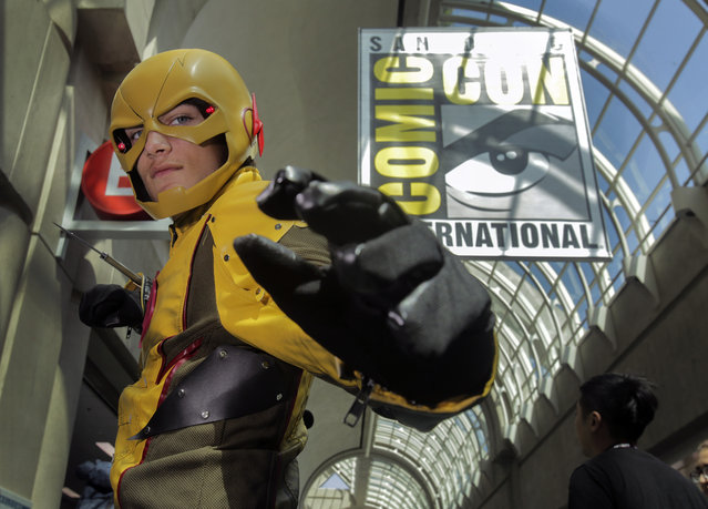 Ryan Schmidt, 14, of North Carolina, plays the part of Reverse-Flash from the TV show Flash during Comic-Con 2017 in San Diego, California, July 21, 2017. (Photo by Bill Wechter/AFP Photo)