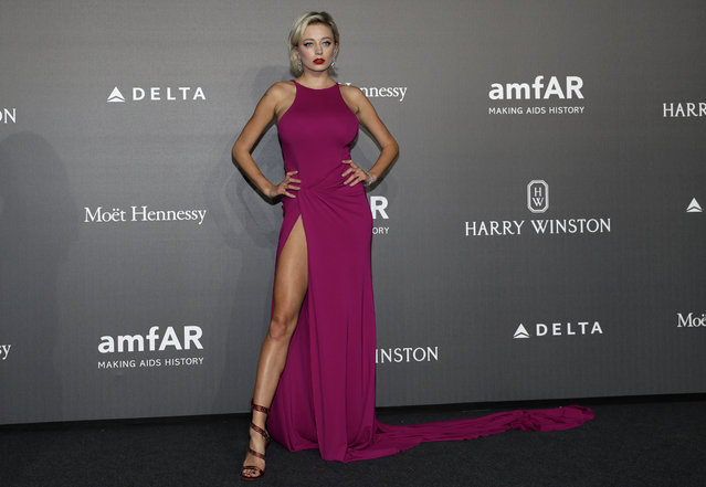 Caroline Vreeland poses for photographers as she arrives for the amfAR charity dinner during the fashion week in Milan, Italy, Thursday, September 21, 2017. (Photo by Antonio Calanni/AP Photo)