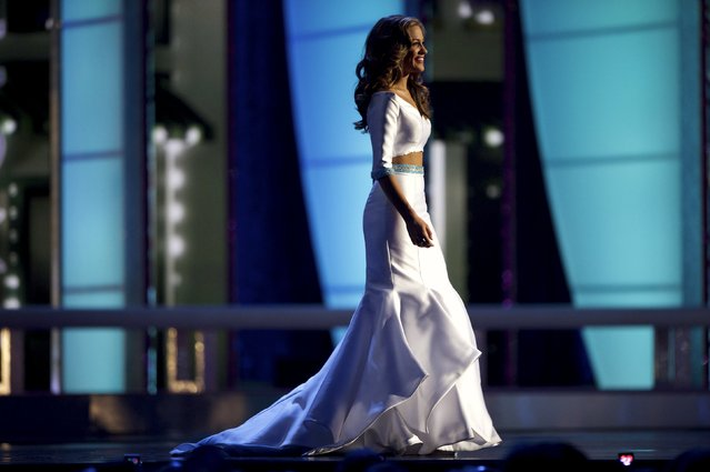 Miss Georgia Betty Cantrell competes in the evening gown competition en route to winning Miss America 2016 at Boardwalk Hall, in Atlantic City, New Jersey, September 13, 2015. (Photo by Mark Makela/Reuters)