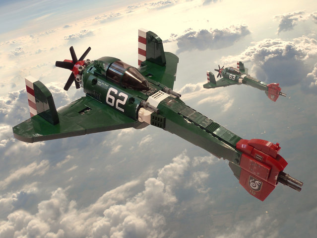 """""""S-113 Viper. After Heliconia was invaded, several of its border cities which were important industrial centres were lost. Heliconian High Command comissioned several new planes to respond to this threat, one of which was the Viper.  (Jon Hall)"""