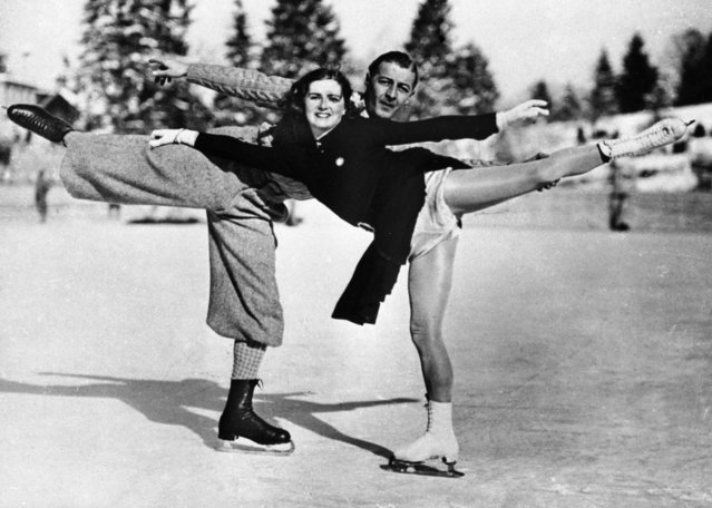 Leslie Cliff and his wife Violet, English figure skating pair. Olympic games of Garmisch-Partenkirchen (Germany), 1936. (Photo by Roger Viollet Collection/Getty Images)