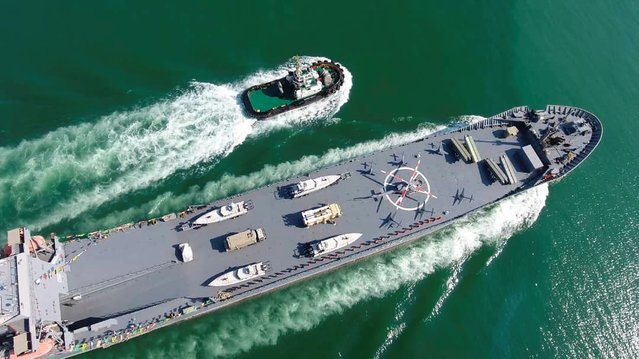 This handout photo provided by Iran's Revolutionary Guard Corps (IRGC) official website via SEPAH News on November 19, 2020, shows a warship named after slain Naval commander Abdollah Roudaki, sailing through the waters in the Gulf during it's inauguration. (Photo by AFP Photo/Stringer)