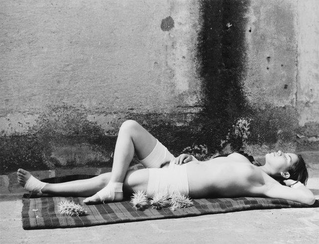 La buena fama durmiendo, 1938-39. (Photo by Manuel Alvarez Bravo)