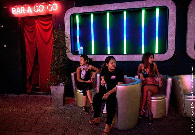 Bar Go-Go girls