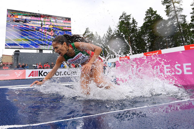 Laura Taborda of Portugal falls down in the Womens Steeplechase 3000m race during day one of the European Athletics U23 Championships 2019 at the Gavlestadion on July 11, 2019 in Gavle, Sweden. (Photo by Oliver Hardt/Getty Images for European Athletics)