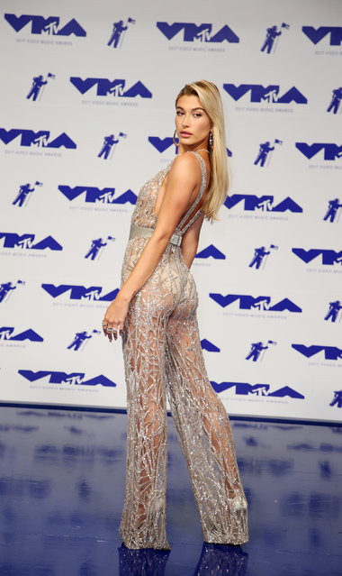 Hailey Baldwin poses in the press room at the MTV Video Music Awards at The Forum on Sunday, August 27, 2017, in Inglewood, Calif. (Photo by Danny Moloshok/Reuters)