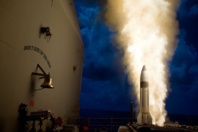 An SM-3 Block 1B interceptor is launched from the guided-missile cruiser USS Lake Erie (CG 70) during a Missile Defense Agency test and successfully intercepted a complex short-range ballistic missile target off the coast of Kauai, Hawaii, on September 18, 2013. (Photo by Department of Defense)