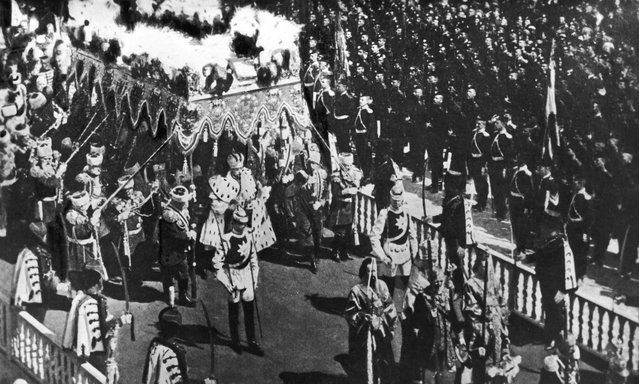 The coronation procession of Tsar Nicholas II of Russia (1868–1918) in Moscow, 26th June 1896.