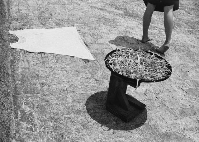 Un poco alegre y graciosa, 1942. (Photo by Manuel Alvarez Bravo)