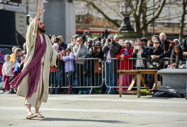 """Actor James Burke-Dunsmore plays Jesus during The Wintershall's """"The Passion of Jesus"""" in front of crowds on Good Friday at Trafalgar Square on March 25, 2016 in London, England. (Photo by Chris Ratcliffe/Getty Images)"""