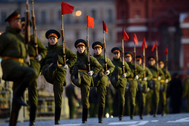 Russian soldiers march during a rehearsal of the Victory Day Parade in Moscow late on May 5, 2012. The parade will take place on the Red Square in Moscow on May 9 to commemorate the 1945 defeat of Nazi Germany. (Photo by Kirill Kudryavtsev/AFP Photo)
