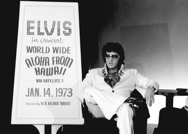 """Elvis Presley during a promotional interview at the Las Vegas Hilton in Las Vegas, Nevada on September 4, 1972 for his televised concert """"Elvis: Aloha from Hawaii"""". (Photo by: Frank Carroll/NBC/NBCU Photo Bank via Getty Images)"""