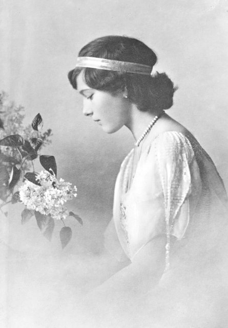 Grand Duchess Tatiana Nikolaevna of Russia (1897–1918), circa 1915. The daughter of Tsar Nicholas II, she was murdered by revolutionaries, along with the rest of her family.