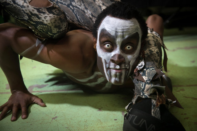Voodoo King and contortionist Amiri Kisingaji from Tanzania poses for a photograph prior to a rehearsal of the Circus of Horrors' latest show Voodoo, ahead of Halloween, at the Wookey Hole Caves Theatre near Wells on October 19, 2017 in Somerset, England. (Photo by Matt Cardy/Getty Images)