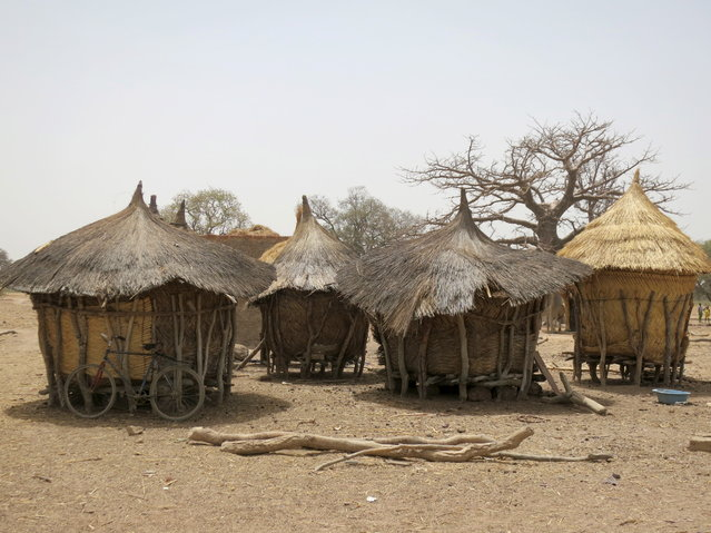 BURKINA FASO: Huts in the village of Bagare, Passore province, northern Burkina Faso, March 30, 2016. (Photo by Zoe Tabary/Reuters)