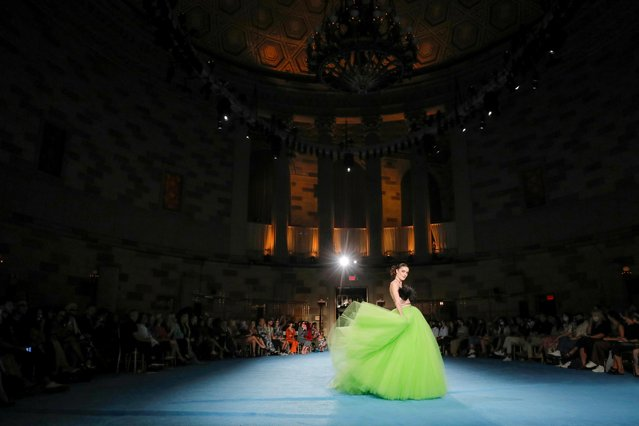 A model presents a creation from the Christian Siriano Spring/Summer 2022 collection during New York Fashion Week at Gotham Hall in Manhattan, New York City, U.S., September 7, 2021. (Photo by Andrew Kelly/Reuters)