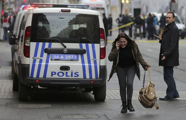 A woman reacts following a suicide bombing in a major shopping and tourist district in central Istanbul March 19, 2016. (Photo by Kemal Aslan/Reuters)