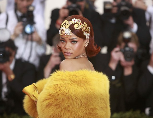 "Barbadian singer, actress and fashion designer Rihanna arrives for the Metropolitan Museum of Art Costume Institute Gala 2015 celebrating the opening of ""China: Through the Looking Glass"" in Manhattan, New York May 4, 2015. (Photo by Andrew Kelly/Reuters)"
