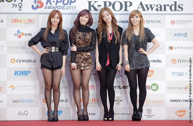 Secret arrive during the 1st Gaon Chart K-POP Awards at Blue Square