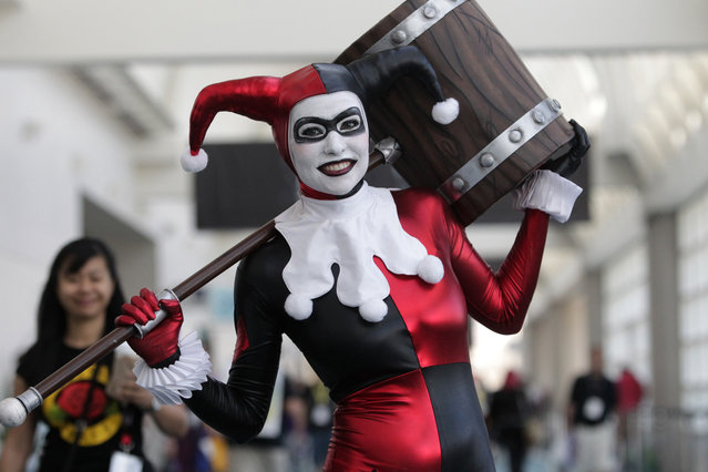 Alex Waldron plays the part of Harley Quinn from the movie Suicide Squad during Comic-Con 2017 in San Diego, California, July 21, 2017. (Photo by Bill Wechter/AFP Photo)