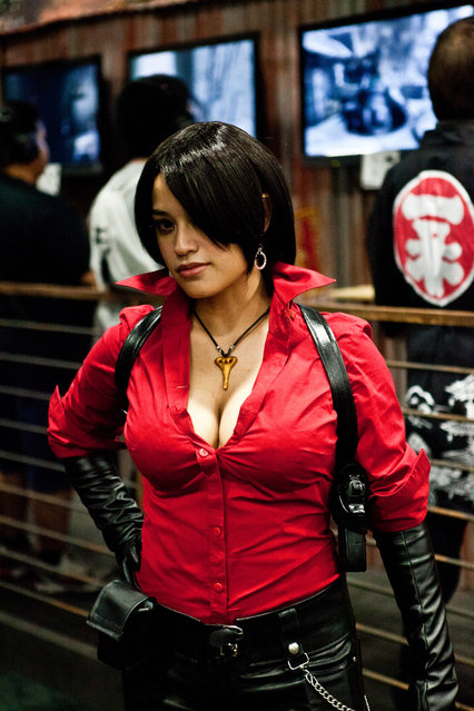 """""""Suwan"""" dress up as Ada Wong from Resident Evil 6. San Diego Comic-Con 2012. (Photo by Kakashi217)"""