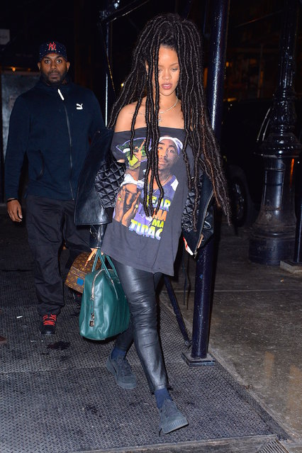 Rihanna seen out and about in SoHo on October 4, 2016 in New York City. (Photo by Robert Kamau/GC Images)
