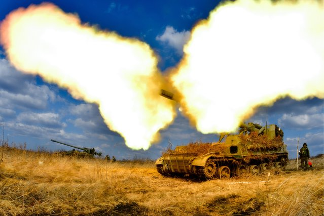A 2S5 Giatsint self- propelled gun fires during tactical exercises held by artillery detachments of the Russian Eastern Military District' s 5th Army at the Sergeyevsky training ground in Primorye Territory, Russia on March 21, 2017. (Photo by Yuri Smityuk/TASS)