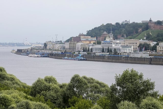 A general view of the town of Nizhny Novgorod at the junction of Oka and Volga rivers, Russia, July 10, 2015. (Photo by Maxim Shemetov/Reuters)