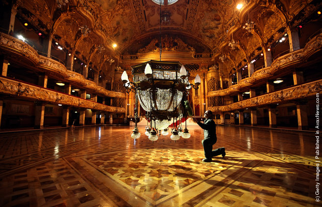 Cleaners Give Blackpool Tower Ballroom A Good Clean