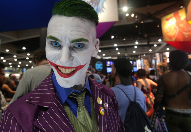 Jordan Quinzon plays the character The Joker from the Batman series during Comic-Con 2017 in San Diego, California, July 21, 2017. (Photo by Bill Wechter/AFP Photo)