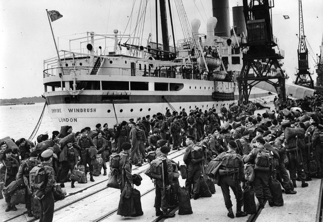 Members of the 55 Independent Squadron wait to board the Empire Windrush at Southampton, to fight in the Korean War, 1950. (Photo by Keystone)