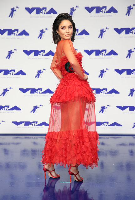 Vanessa Hugdens poses in the press room at the MTV Video Music Awards at The Forum on Sunday, August 27, 2017, in Inglewood, Calif. (Photo by Danny Moloshok/Reuters)