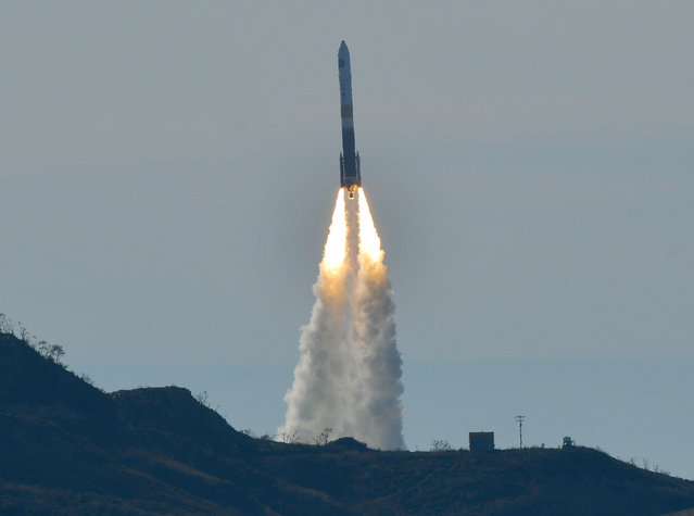 A Delta IV rocket lifts off from Space Launch Complex-6 just after 2:11 p.m. PDT, from Vandenberg Air Force Base, Calif., on Friday, January 12, 2018. The rocket is carrying a classified U.S. satellite. (Photo by Len Wood/The Santa Maria Times via AP Photo)