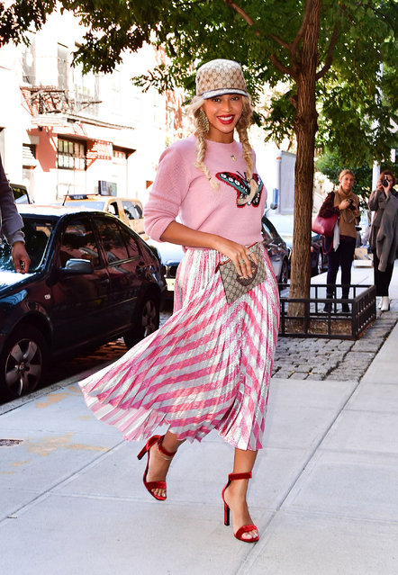 Beyonce Knowles seen on the streets of Manhattan on October 5, 2016 in New York City. (Photo by James Devaney/GC Images)